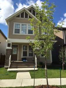 Beautiful single house in Allard with finished basement(SW)