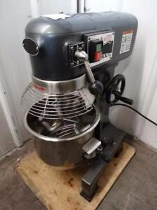 BRAND NEW 10 QUART DOUGH MIXER