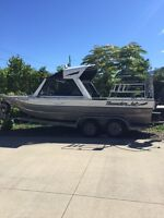 21' jet boat in excellent condition