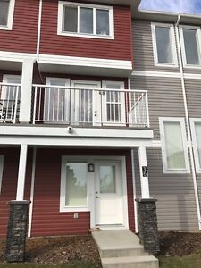 3 bd rooms 2 atta garage Townhouse in Rutherford(SW Edmonton)