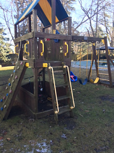 Deluxe Rainbow Outdoor Playset