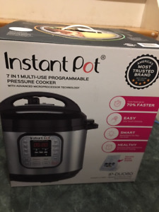 BRAND NEW IN BOX Instant Pot DUO80 + two NEW IP cookbooks