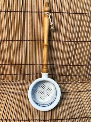 Japanese tea strainer,vintage porcelain ,blue/white,w/orig wood handle, vg