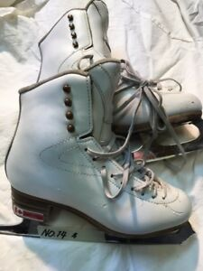 Girls/Ladies Figure Skates - Jackson Size 5.5 (14)