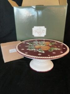 PEDESTAL MUSICAL RAISED CAKE PLATE HOLLY BERRIE PINECONE SNOWFLAKE CHRISTMAS NEW