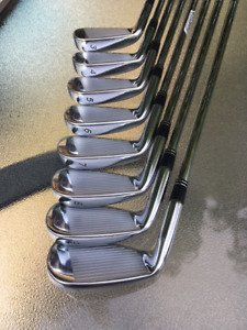 RH Golf Irons - Taylormade R9 TP