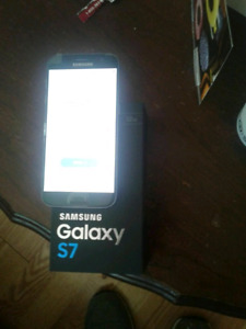 Samsung S7 2 weeks old with Rogers