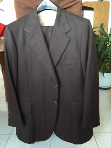 Mens 44 S dark brown suit with light flecks