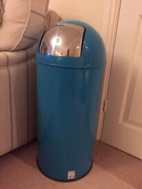 Turquoise Retro Bin (With separate removal insert)