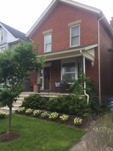 WOW! 3 BDR 2 BTH APARTMENT IN A CENTURY HOME NEAR DOWNTOWN