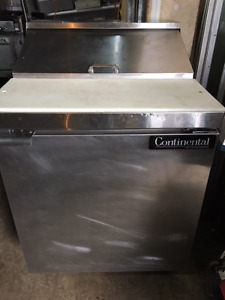 Top Sandwich Unit Refrigerator with Solid Door