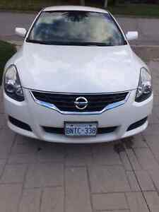 2010 Nissan Altima Coupe 2.5S (2 door)