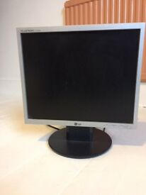 Computer screen LG Flatron 13 .5 inch, good condition