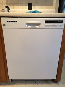 GE White Dishwasher - Stainless Tub - 10 months old