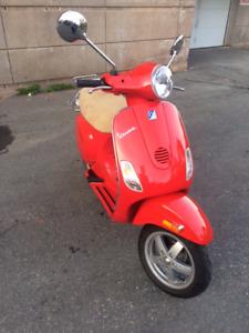 Shiny Red Vespa LX150 | Safety Inspected Until 2019