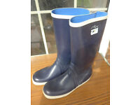 Douglas Gill tall sailing boots/wellies wanted