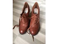 NEW! Women's Clarks Claeson Pearl Brogue lace up heels size 7
