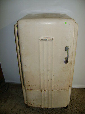 ثلاجة مستعمل VINTAGE GENERAL ELECTRIC GE REFRIGERATOR