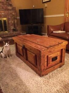 Large antique chest / coffe table