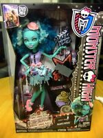 BNIB Monster High: Frights, Camera, Action! Honey Swamp