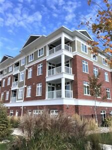 HORSESHOE VALLEY!!! AWESOME 1 BED + DEN CONDO UNIT!!!