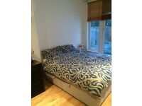 Large double room to rent in two bed flat in Balham