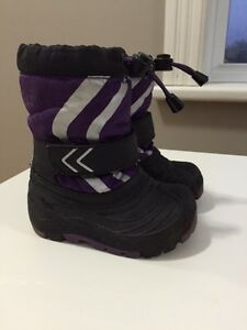OshKosh Winter Boots - Toddler Size 5/6 Peterborough Peterborough Area image 1