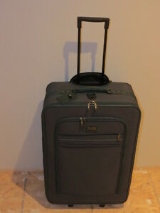 Brand New Large suitcase Kitchener / Waterloo Kitchener Area image 2