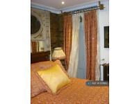 1 bedroom flat in Masbro Road, London, W14 (1 bed)