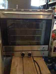 Holman CCOH-4 25quot; Electric Half-Size Convection Oven West Island Greater Montréal image 1