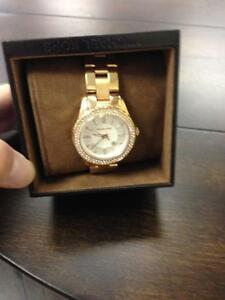 MICHEAL KORS LADIES WATCH $150.00 + TAXES