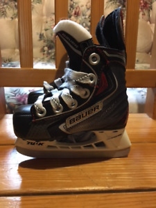 Boys/Toddler Youth Size 6 Bauer Vapor Skates -smallest they make