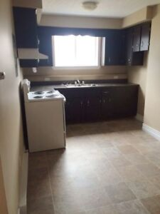 Bright 2 BDRM on Forest Hill Road $825 December 1st