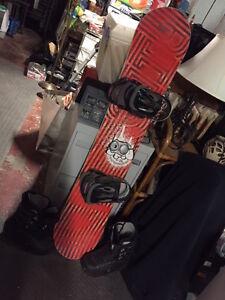 snowboard,boots,bindings
