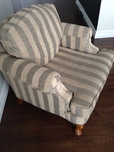 Renaissance club style chair - Excellent condition!