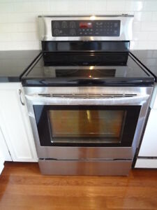 NEW LG high-end convection electric range 6.3 cubic ft