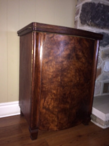 GORGEOUS ANTIQUE Side Table/Cupboard with Storage & Rocker