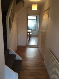 Large and bright single room in Basildon, fully furnished with TV and all bills included
