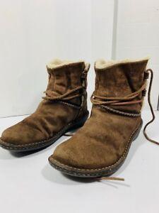 *UGG - bottes femme - taille 8 US*