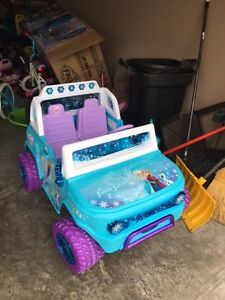 Battry Powered Elsa and Anna Car