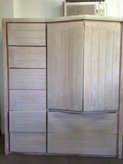 Combination storage cabinet and TV unit-great for flats Balgowlah Heights Manly Area Preview