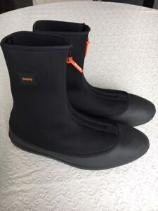 Brand New Black Mens Waterproof SWIMS Overboot US Size 8-9.5