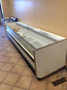 HUSSMANN12 Foot Open Freezer