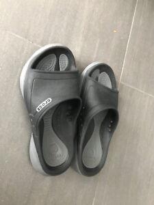 Sandales crocs grandeur 3