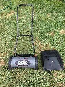 Ozito Push Lawn Mower with Grass Catcher Bentleigh Glen Eira Area Preview