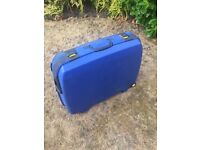 Hard shell travel suitcase for sale, sturdy, durable, combination lock, 75 x 60 x 25 cm