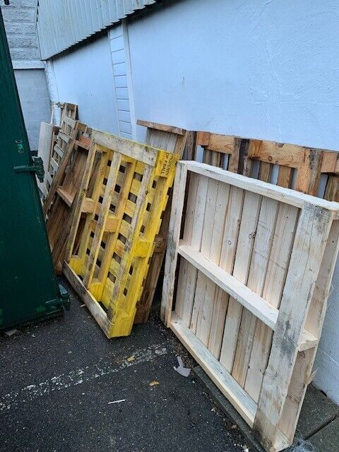 Wooden Pallets, various sizes. Collection only   in ...