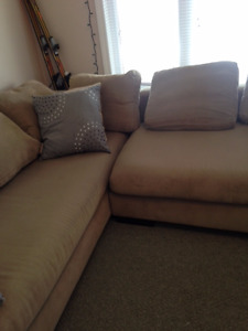 Comfortable sectional - great size