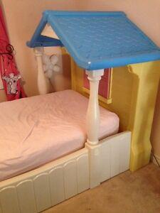 Little Tykes Cozy Cottage Girls Bed Oakville / Halton Region Toronto (GTA) image 5