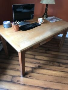 Old Solid Oak Desk with Drawers in Excellent Condition